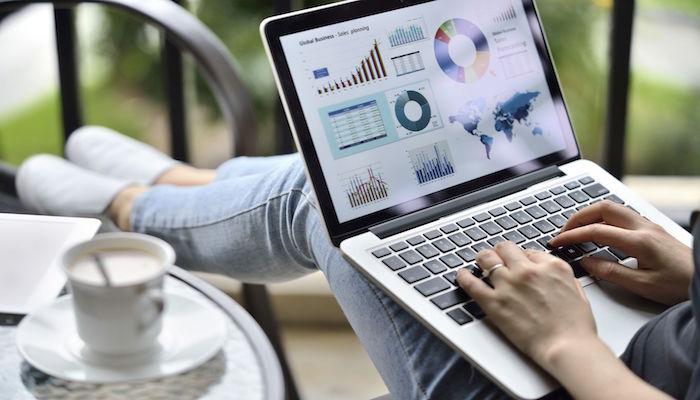 buying-selling-stock-financeline24